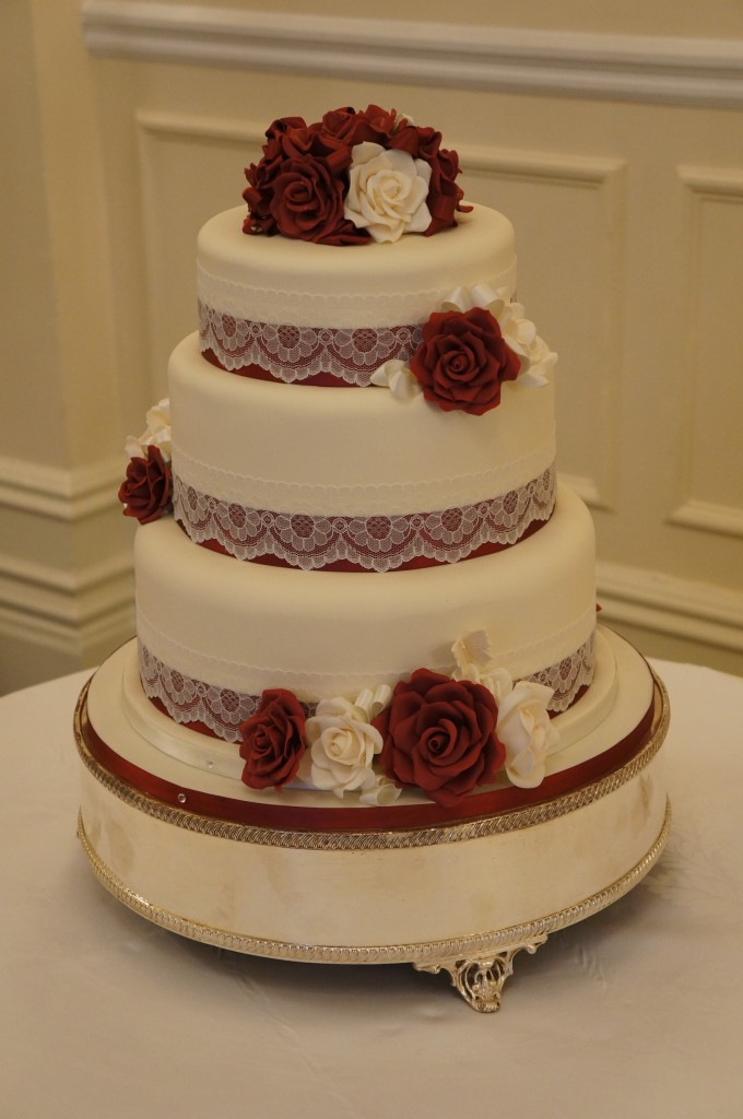 Burgundy Amp Ivory Wedding Cake Coppice Cakes Amp Sugarcraft
