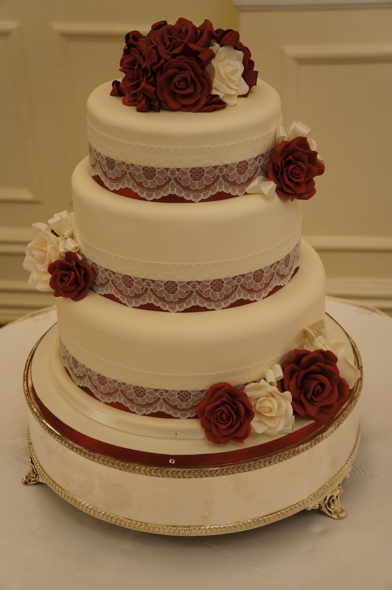 ivory and burgundy wedding cakes burgundy amp ivory wedding cake coppice cakes 16536